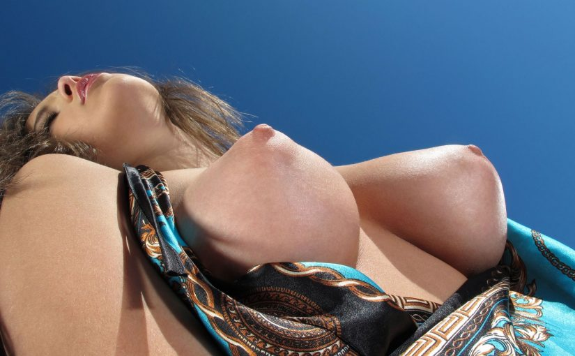 97 Hot Girls With Puffy Nipples NSFW Photos